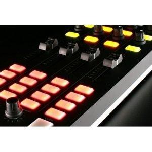 קונטרולר DJ מקצועי עם תכונות מתקדמות מבית Allen & Heath